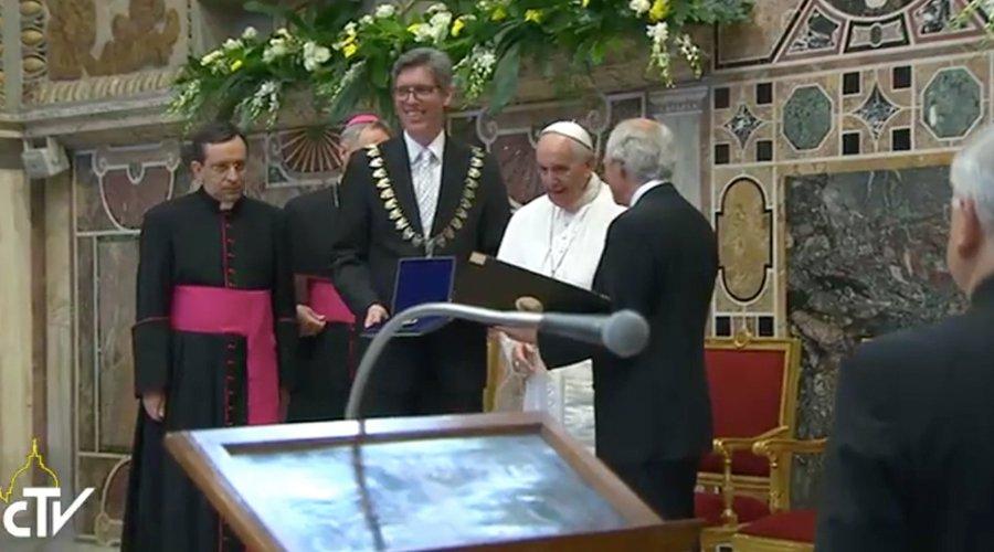 Papa Francisco: Premio Internacional Carlomagno