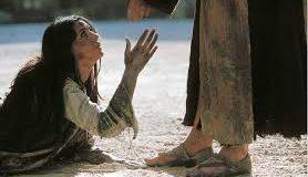 El que esté sin pecado, que le tire la primera piedra