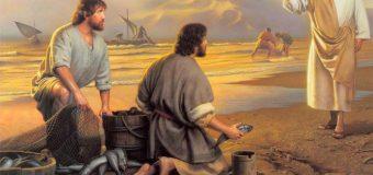 Jesús se acerca, toma el pan y se lo da, y lo mismo el pescado